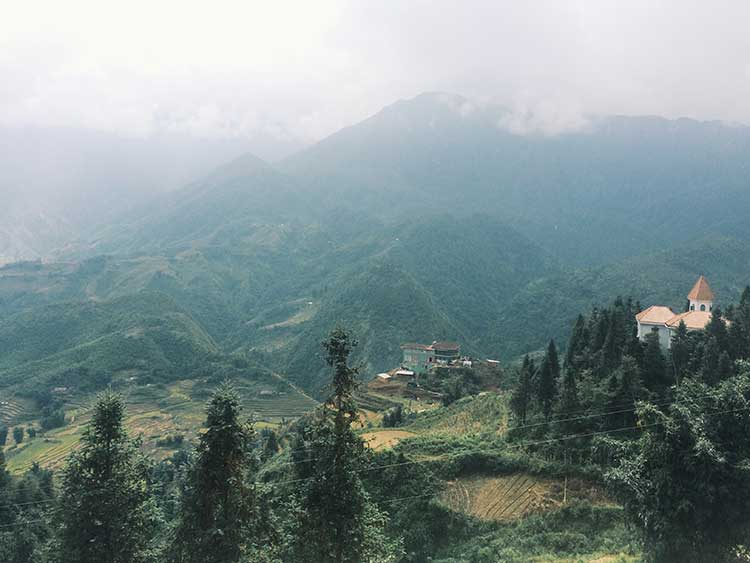 Sapa y la dura realidad de las hmong