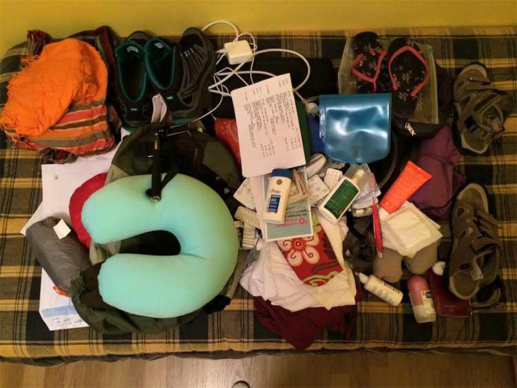 ¿Cómo empacar la mochila de una viajera?